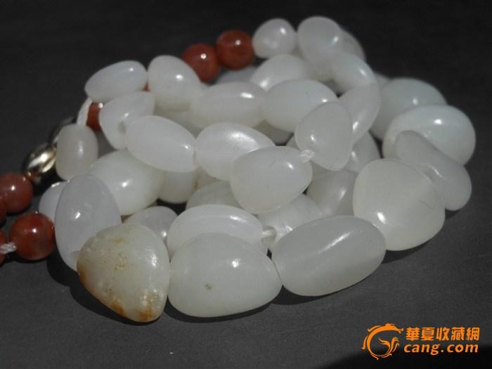 新疆和田玉籽链66克,白度脂粉密度均好,十分漂亮!