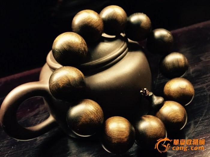 楠木> 阴沉金丝楠木手串  特点:【阴沉木】纹路清晰,黑里带金,颗颗