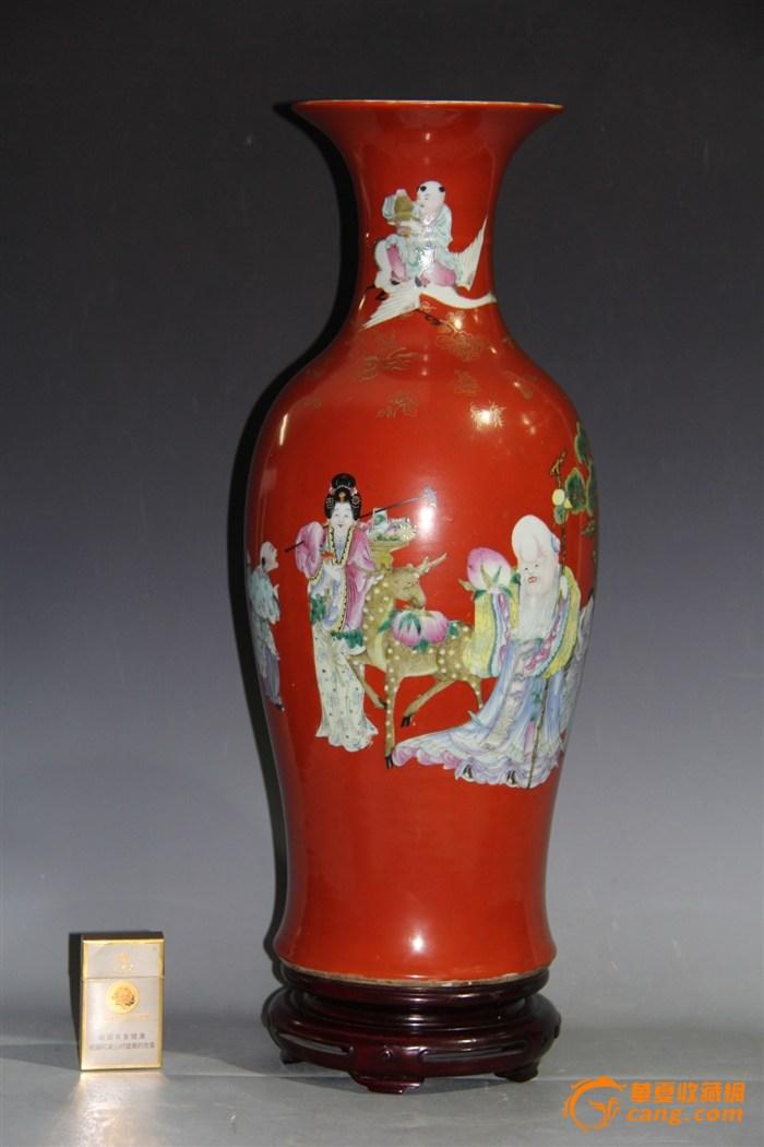 清末民初珊瑚红地细路粉彩群仙贺寿300件大瓶