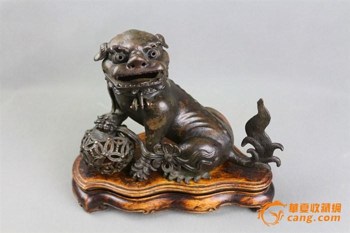 铜狮子熏炉带原木座.