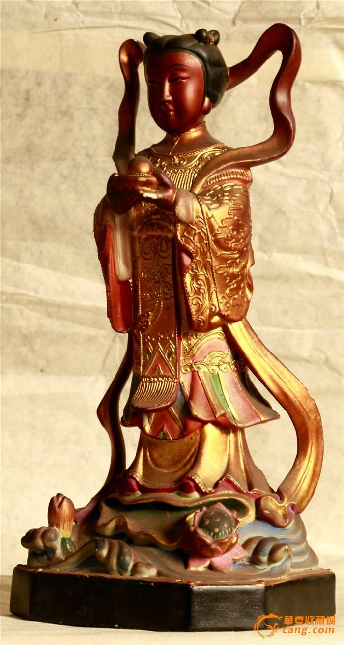 的佛像,当代木雕