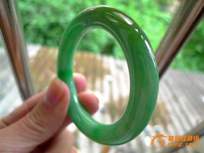 收藏极品正阳绿细腻缅甸老坑a货翡翠圆条手镯一元拍卖