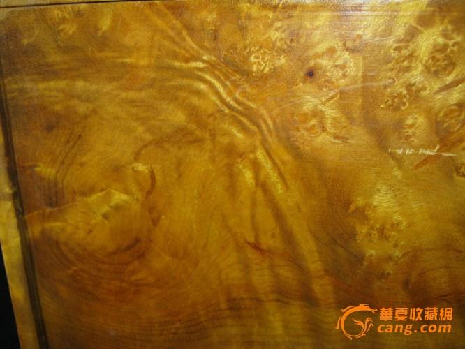 满彻瘤疤金丝楠木盒
