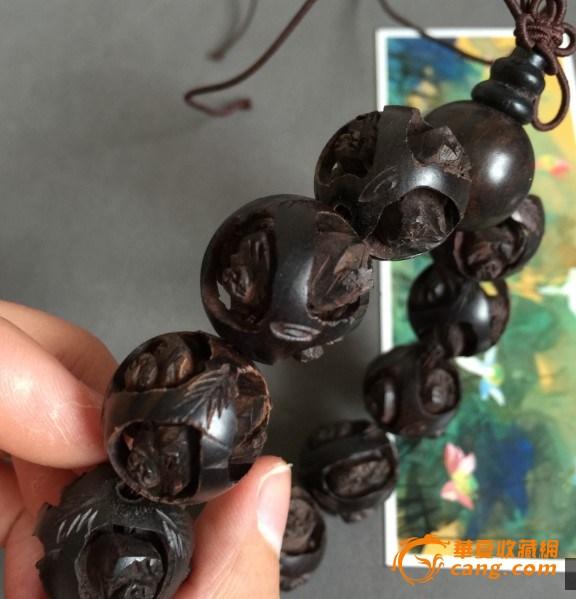 天然沉香木镂空雕刻手串