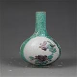 清-晚期珍珠地开光山水花卉诗文胆瓶