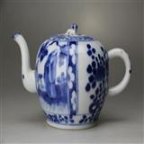 晚清青花人物花卉纹茶壶