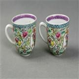 151  粉彩花卉纹杯一对
