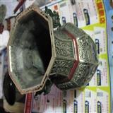 老白铜民国瓶。做工精美。尺寸高23厘米