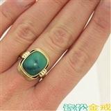 金镶松石戒指一枚