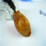 天然A货翡翠蜗牛吊坠